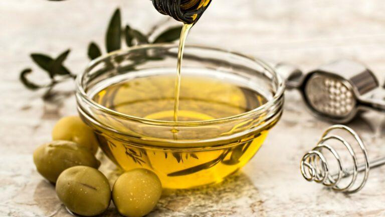 De l'huile d'olive d'un moulin français pour tous vos plats !